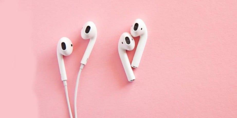 earbuds vs. earphones