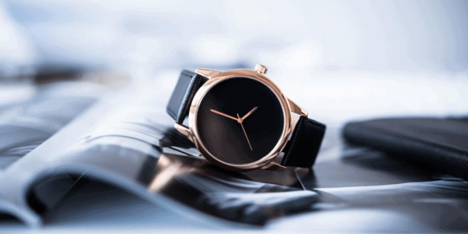 Smartwatch Vs. Traditional Watch